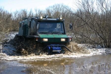 вездеход ПЕТРОВИЧ в болоте