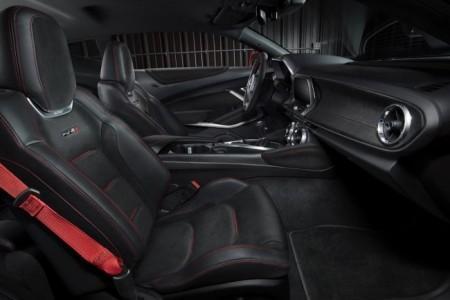 Chevrolet Camaro ZL1 - интерьер