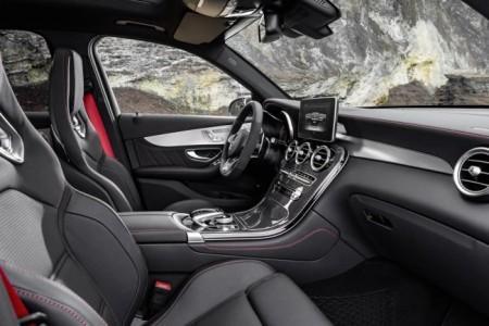 Mercedes-AMG GLC 43 - салон