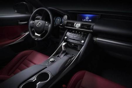 Lexus IS 2017 - салон