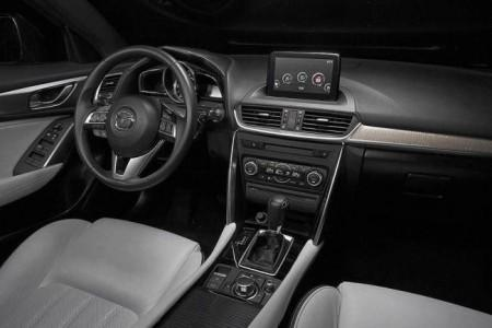 Mazda CX-4 - салон