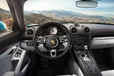 Porsche 718 Cayman - салон