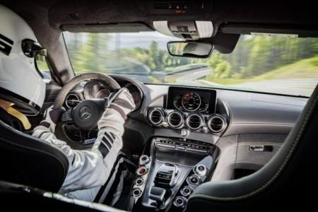 Mercedes-AMG GT R - салон
