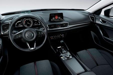 Mazda 3 2017 - салон