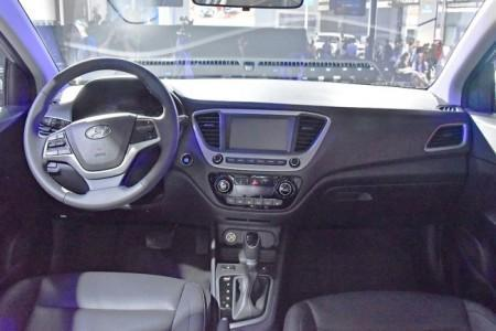 Hyundai Solaris 2 - салон