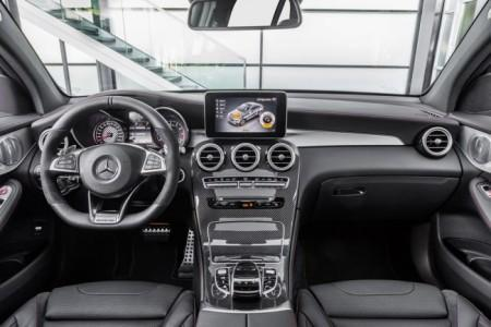 Mercedes-AMG GLC 43 Coupe - салон