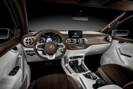 Mercedes X-Class Stylish Explorer - салон