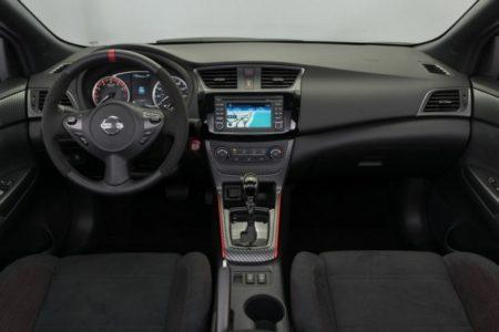Nissan Sentra Nismo - салон