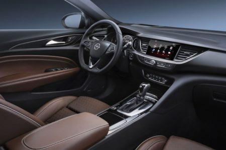 Opel Insignia Grand Sport - салон