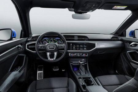 Audi Q3 2 поколения - салон