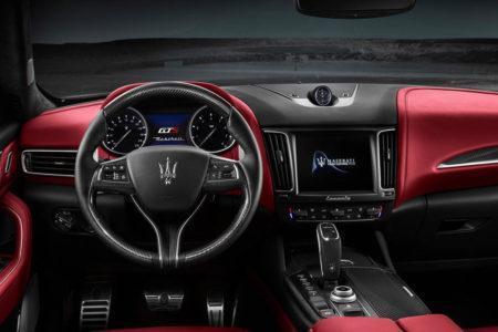 Maserati Levante GTS - салон